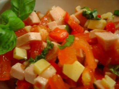 "Wurst-Käse-Salat ""Villa Kunterbunt"" - Rezept"