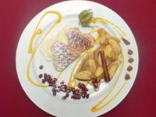 Waffelherzen mit Calvados-Vanille-Äpfeln auf Mascarpone-Wölkchen - Rezept - Bild Nr. 2