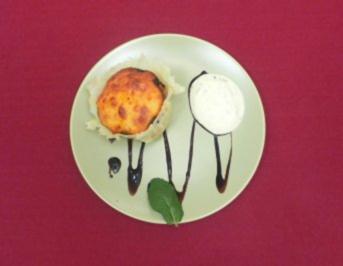 Herzhafter Muffin gefüllt mit Hackfleisch und Gemüse im Parmesankörbchen - Rezept - Bild Nr. 2