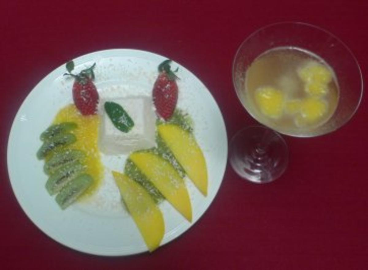 Blanc-manger von Kokosnuss auf Mango-Kiwi-Mark und Frappe Royal - Rezept Gesendet von Das perfekte Dinner