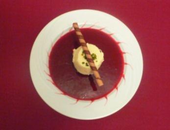 Pochierter Apfel gefüllt mit Bayerischer Creme und Himbeermousse - Rezept - Bild Nr. 2