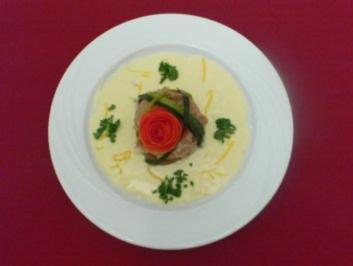 Galette gefüllt mit Lachs und Spinat auf Zitronensoße - Rezept - Bild Nr. 2