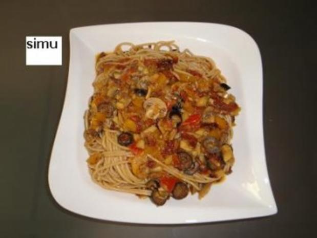 Spaghetti mit Gemüsesauce - Rezept