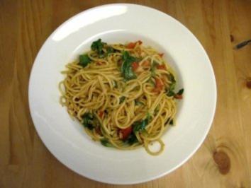 Spaghetti mit Kirschtomaten und Rucola - Rezept