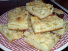 Rhabarberkuchen mit Puddingcreme - Rezept