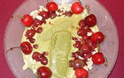 Eis aus grünem Tee mit heißen Kirschen - Rezept - Bild Nr. 2