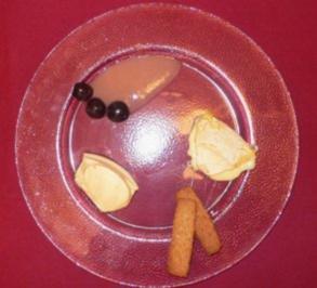 Reblochon auf Traubensoße, Perche Noisette und Nocken von Kir-Royal-Creme - Rezept - Bild Nr. 2