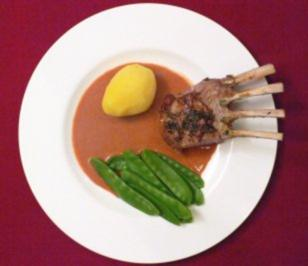 Karree vom Salzwiesenlamm mit Zuckerschoten und Salzkartoffeln - Rezept - Bild Nr. 2