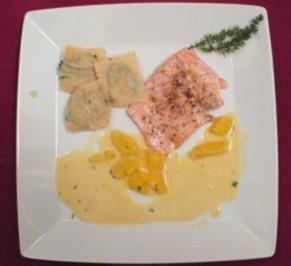 Lachforelle aus dem Ofen mit Thymiansoße und Mangoldravioli - Rezept - Bild Nr. 2
