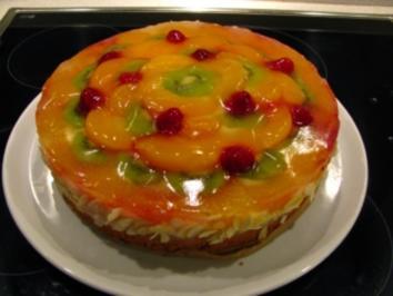 Bunte Obsttorte mit Puddingcreme - Rezept