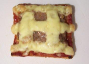 Zwischensnack: Hackfleisch-Toast, überbacken - Rezept