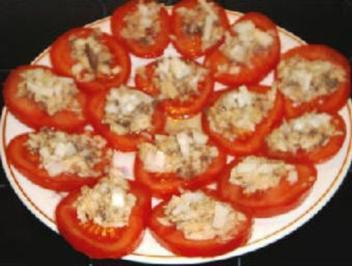 Überbackene Tomaten mit Thunfisch - Rezept
