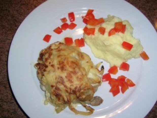 Zwiebel-Sahne-Schnitzel  mit Kartoffelpüree(oder Kotelett/Putenschnitzel/Hähnenbrustfilets - Rezept - Bild Nr. 2