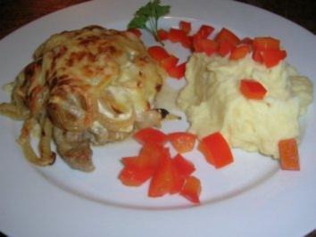 Rezept: Zwiebel-Sahne-Schnitzel  mit Kartoffelpüree(oder Kotelett/Putenschnitzel/Hähnenbrustfilets