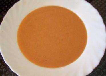 Kochen: Soja-Tomaten-Suppe - Rezept