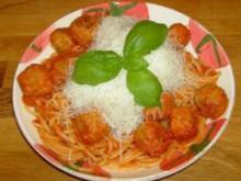 Susi & Strolch Pasta oder Hackfleischbällchen mit Tomatensauce und Spaghetti - Rezept