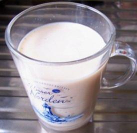 Getränk: Tee-Milch - Rezept
