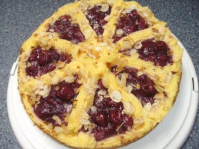 Schoko-Kirsch-Kuchen mit Puddingcreme - Rezept