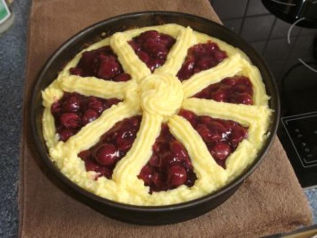 Schoko-Kirsch-Kuchen mit Puddingcreme - Rezept - Bild Nr. 6