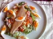 Forellenfilet auf buntem Salat - Rezept