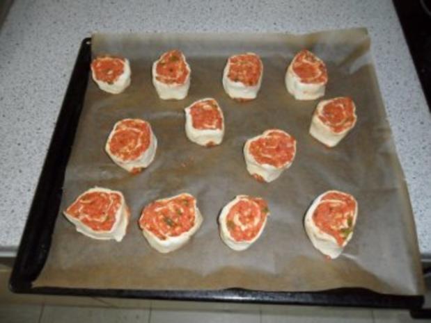 """Blätterteig """"Pizza""""-Schnecken - Rezept - Bild Nr. 4"""