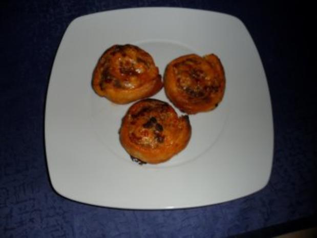 """Blätterteig """"Pizza""""-Schnecken - Rezept - Bild Nr. 5"""