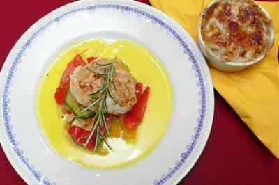 Rezept: Seeteufel mit mediterranem Gemüse und Kartoffelgratin