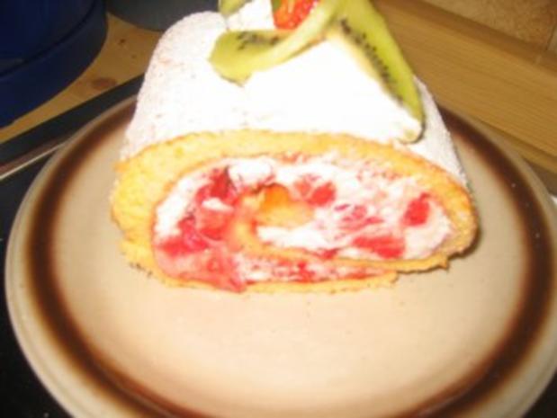 Backwaren: Erdbeer- Kiwi- Rolle - Rezept - Bild Nr. 3