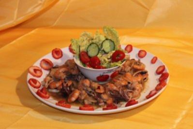 Salatinsel in See aus Meeresfrüchten - Rezept