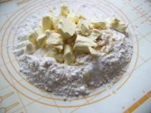 Krümeltorte mit Kirschen - Rezept