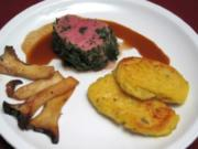 Pochiertes Kalbsfilet im Kräutermantel an Kartoffel-Blini und Kräuterseitlingen - Rezept