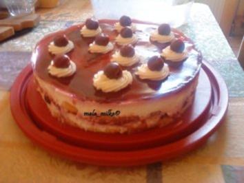 Kirsch - Joghurt - Torte - Rezept