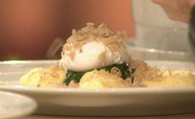 Getrüffeltes Ei mit jungem Spinat und Kartoffeln à la Ralf Zacherl - Rezept