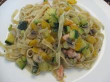Tagliolini mit Räucherlachs und Gemüse - Rezept