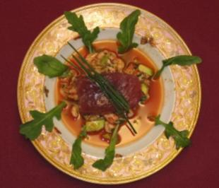Krebssalat mit eingelegtem Tunfisch, Tomaten und Avocado - Rezept