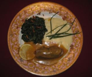 Kalbsröllchen mit Zitronensoße, Blattspinat und Kartoffelpüree - Rezept