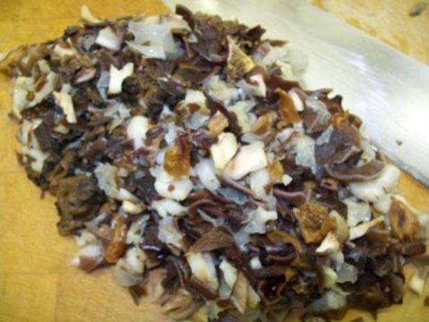 Kräuter-Zwiebelbraten zu Mini-Pilzknödeln und Kerbel-Minz-Erbsen - Rezept - Bild Nr. 6