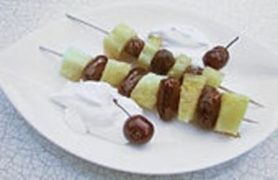 Rezept: Ananas - Dattel - Spieße gegrillt