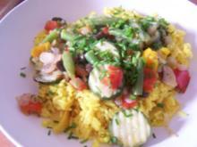 Gebratenes Gemüse mit Kurkuma-Reis - Rezept