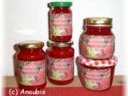 Brotaufstrich - Erdbeerkonfitüre mit Holunderblütensirup und Vanille - Rezept