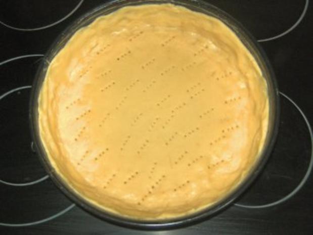 Beschwipster Erdbeer - Rhabarber - Kuchen - Rezept - Bild Nr. 2