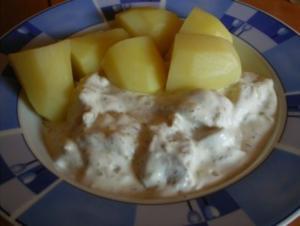 Matjes in Dill-Jogurt-Sahne - Rezept
