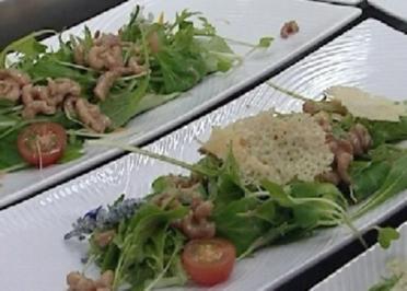 Orientalisch marinierter Blattsalat mit Nordseekrabben - Rezept