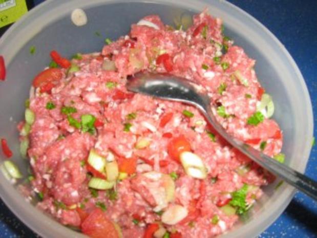 Aubergine gefüllt unter einer Mozzarellahaube - Rezept - Bild Nr. 4
