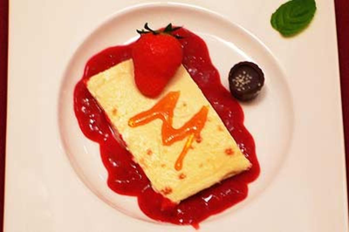 Flan de queso con fresas - Gebackene Eiermasse mit Erdbeeren - Rezept Gesendet von Das perfekte Dinner