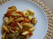Sommerliche Spargel-Zucchini Pfanne mit pikantem Grießauflauf - Rezept