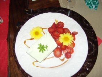 Waldmeisterparfait-auf Erdbeercarpaccio - Rezept