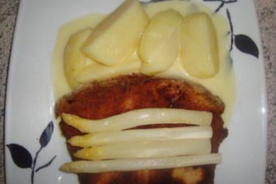 Rezept: Fleischgerichte: Leberkäse Wiener Art mit Salzkartoffeln und Spargel mit Buttersoße