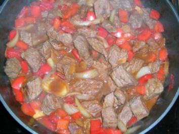 Lammgulasch aus der Klosterküche (haben wir im Kloster Himmerod - Eifel - gegessen) - Rezept