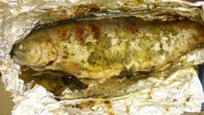 Gefüllte Lachsforellen mit Orangenhonig- Hauch vom Grill - Rezept